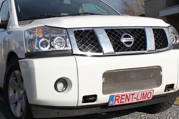 Witte Nissan Armada